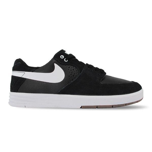 SEPATU NIKE SB PAUL RODRIGUEZ 7 599662-010 merupakan Sepatu Nike SB yang memiliki midsole dengan support lunarlon yang nyaman untuk digunakan. Gaya legenda rider skateboard dengan adanya motif pada bagian belakang merupakan suatu keunikan yang dimiliki sepatu ini. Bahan suede leather untuk memberikan kenyamanan pada kaki serta menambah kesan mewah. Sepatu Nike SB Paul Rodriguez 7 adalah salah satu sepatu yang sangan pantas dimiliki para pecinta skateboard.