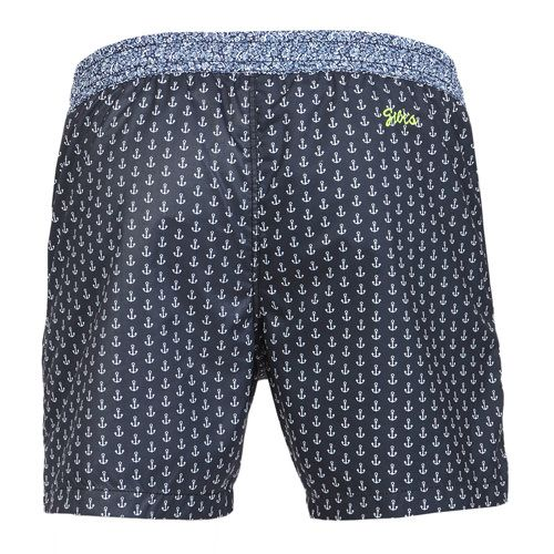 MICRO ANCHOR PRINT BOARDSHORTS WITH ELASTIC WAISTBAND Micro anchor print Boardshorts with contrast elasticated waistband and adjustable drawstring. Two front pockets. Back Gili's logo embroidery. Internal net. COMPOSITION: 100% POLYAMIDE lining 100% POLYESTER. Model wears size L he is 189 cm tall and weighs 86 Kg.