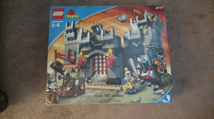 LEGO Duplo Castle Knights' Castle (4777) - New - Semi-Sealed - Good Condition