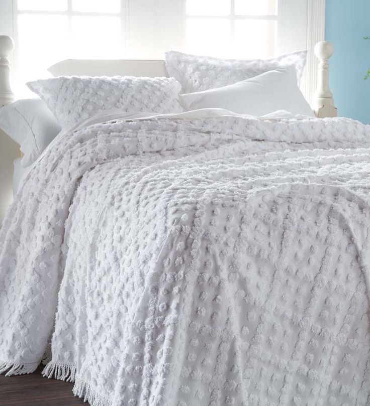 "Queen Tufted Chenille Hobnail Bedspread, 100"" x 118"""