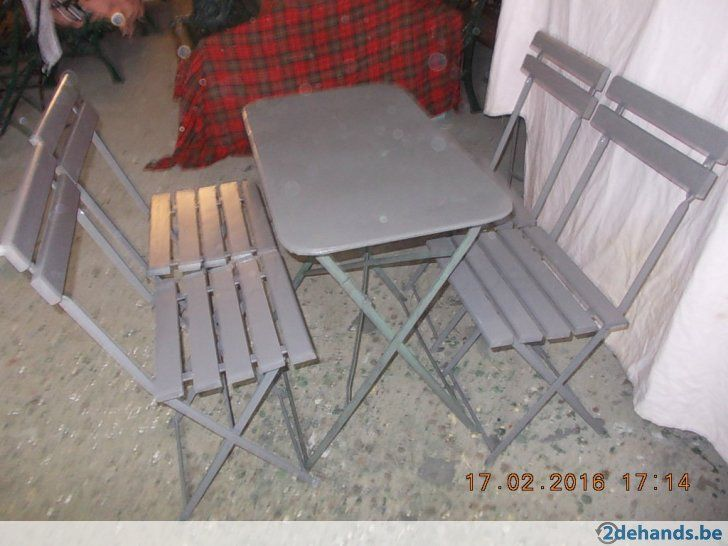 Oude metalen cafe tafel en 4 stoelen - Te koop