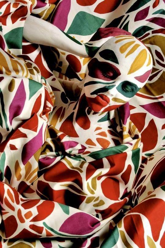 Camouflage door lichaamsverf.