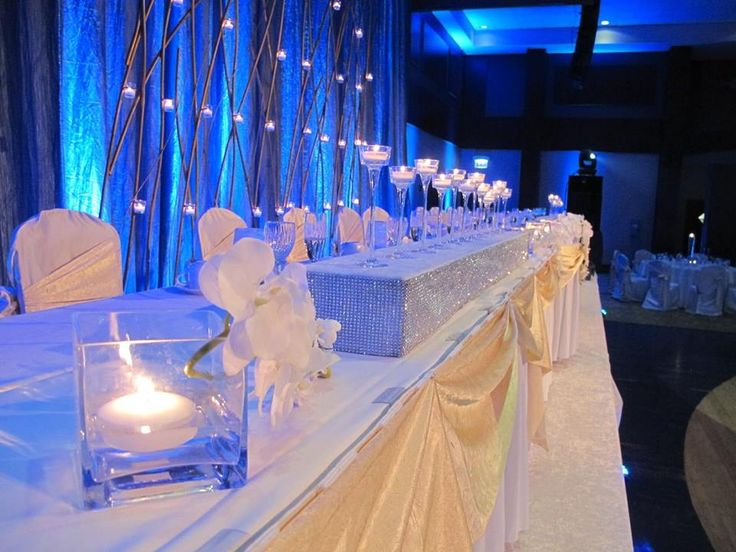 Alluring Table Setup For Bride U0026 Groom With Enchanting Background At The  Meadows Club.