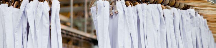 Textilia erbjuder smarta, miljövänliga och kostnadseffektiva textilservicelösningar för kvalitetsmedvetna kunder inom vård, hotell och industrisektorn i Norden. Det betyder bland annat att vi varje dag tvättar och levererar 100 ton arbetskläder och textilier över hela landet och får många hårt arbetande människor att känna yrkesstolthet och värdighet mitt i en tuff verklighet.   Vi är drygt 500 anställda, vi finns på sex orter i Sverige och omsätter cirka 500 mkr per år.