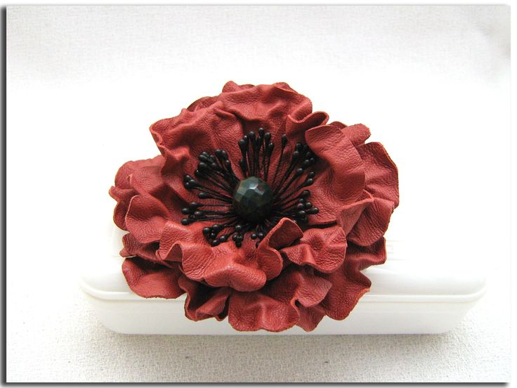 Handcrafted red leather poppy (flowers, accessories, brooches, DIY)  http://www.leatherblooms.com/2013/03/18/repetition-week/