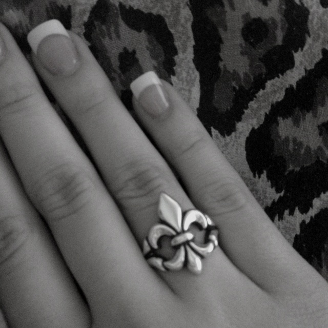 Fleur de Liz Ring