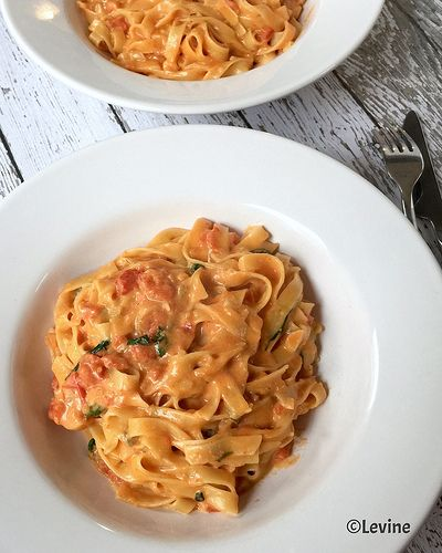Uit de keuken van Levine: Tagliatelle met tomaten-gorgonzola-mascarponesaus