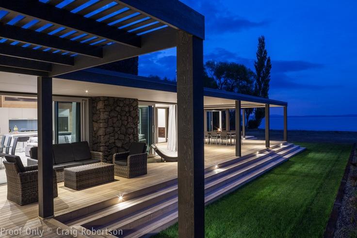 Taupo Lake house by Lockwood Homes ,New Zealand