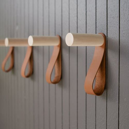 Off the Hook: The Best Modern Coat Hooks — Annual Guide 2017 #modernhomefurniture