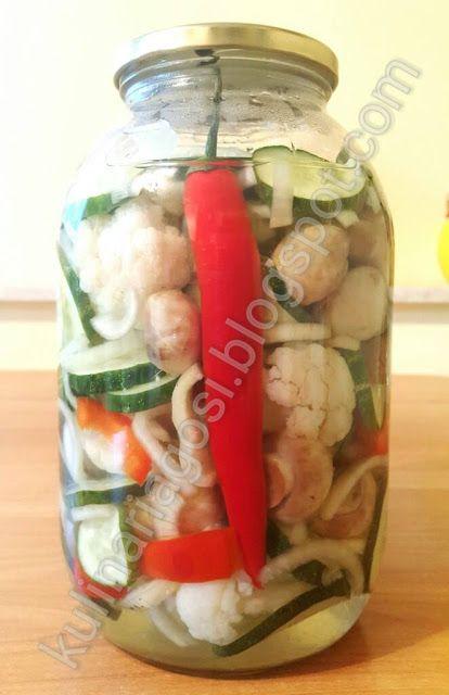 Kulinarne Przemyslenia: Sałatka wielowarzywna na zimę
