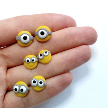 "Minion studs ""despicable me"" earrings, one-eye, two-eyes"