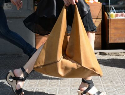 Love bag, dress and shoes.  #Loope #Design #Barcelona #Bags #Geometry