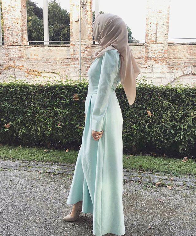 #worldwidemuslimahs #pink #hijab #muslimah #muslim #softtones #flawless #fleek #chic #ootd #modest #fashion #sleek #love #smile #style #watch #nature #cute #heels #tarte #purse #mashallah #beautiful #look #blush #inspo #makeup #inspiration #abaya