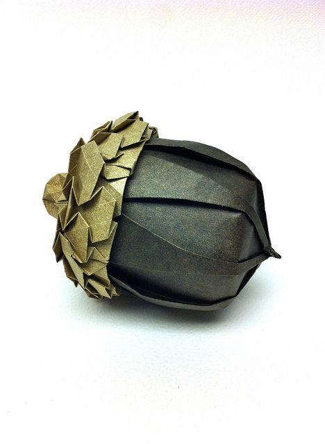 papier origami gland de chêne.