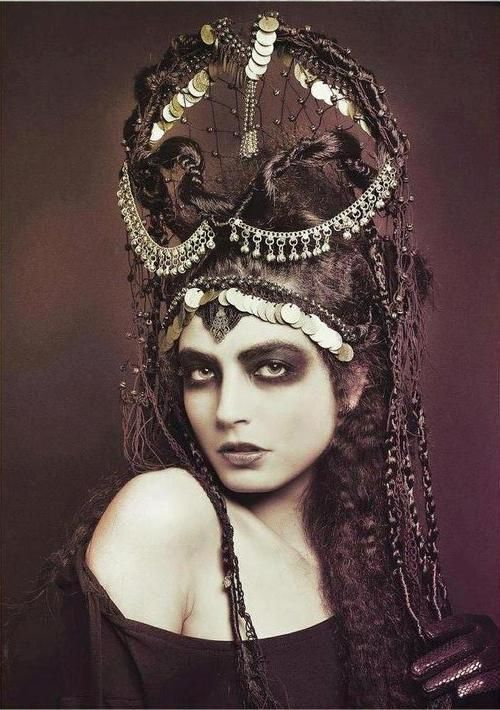 """Dwarf death priestess (sister of the Raven Queen). Photo: early 1900's """"vamp look"""" a la silent screen legend, Theda Bara."""