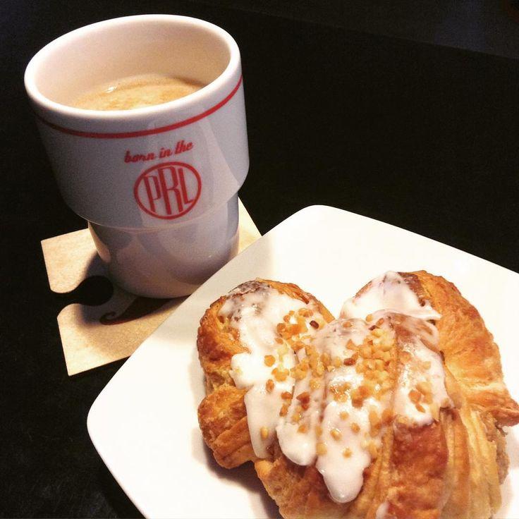 """""""Jak świętować to tradycyjnym rogalem #11listopada #rogalmarcinski #coffeetime #kawa #spodlady #rzeszów #bornintheprl #yummy"""""""