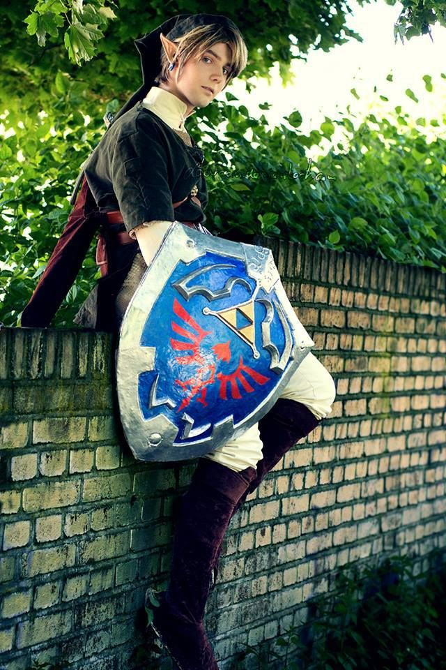 "Link cosplay..... Eeeeeeeeeeeeeeeeeeeeeeeek omg!!!!!! :D :D :D :D :D :D :D :D :D :D :D :D :D Fangirling.  So much fangirling.  If I saw this guy in real life I'd probably be like, ""LIIIIINK!!"" and get a picture with him.  Because this is just so awesome."