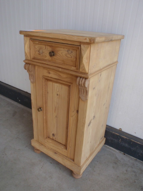 Davidowski European Antique Pine Furniture 225 euro