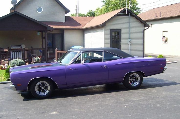 1969 Plymouth Roadrunner 440   I've ridden in one of these before! It was glorious and belonged to one of my daddy's friends. I went to my first concert in the back of one if these, except road runner orange