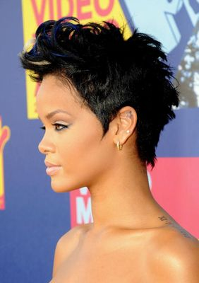 Rihanna Short Fauxhawk S Haircuts Best Styles Over The Years