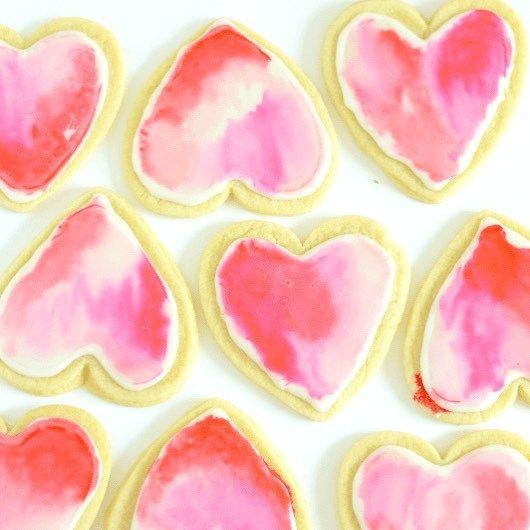 In LOVE with these gorgeous Watercolor Cookies Get the easierthanitlookshellip