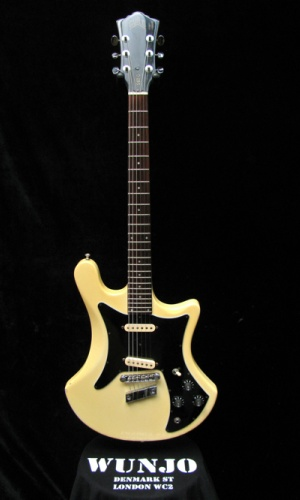 Guild S-60 D | Wunjo Guitars London: I always liked these Guild electrics. A knew someone who bought one in the early 80s and kept putting heavier and heavier strings on it until he snapped the neck.
