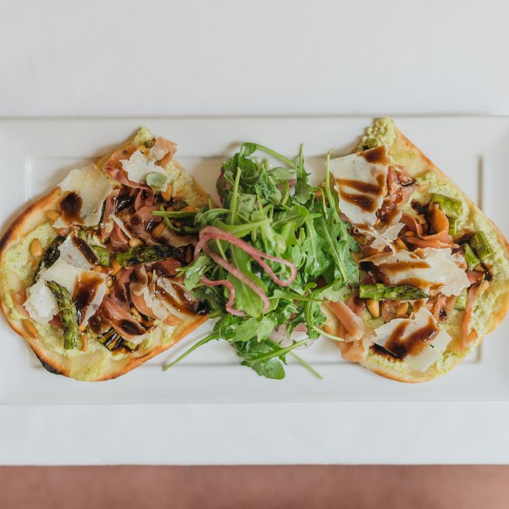 Close your work computer, it's lunchtime at Criollo!