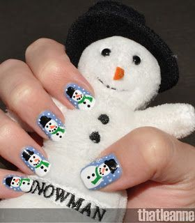 Snowman nail art idea.