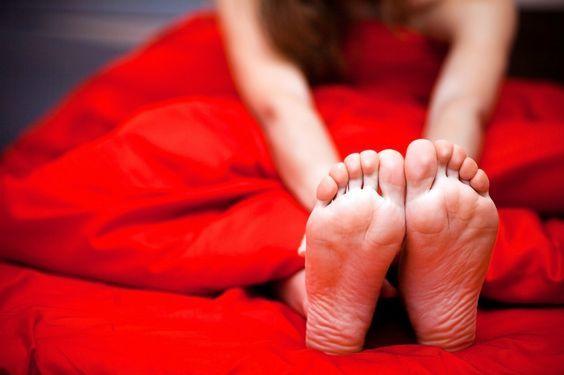 6 benefici di dormire nuda. Entrare contatto con le lenzuola appena lavate, dopo…