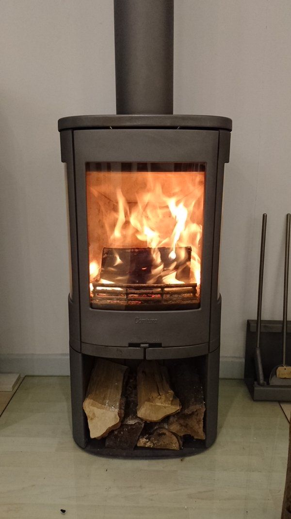Lit stove of the day - Contura 850