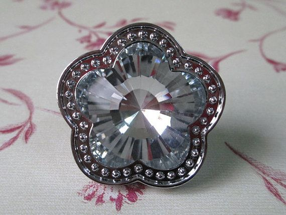Sparkly Flower Glass Knob / Shabby Chic Dresser Drawer Knobs Pulls Handles  Modern Clear Crystal /