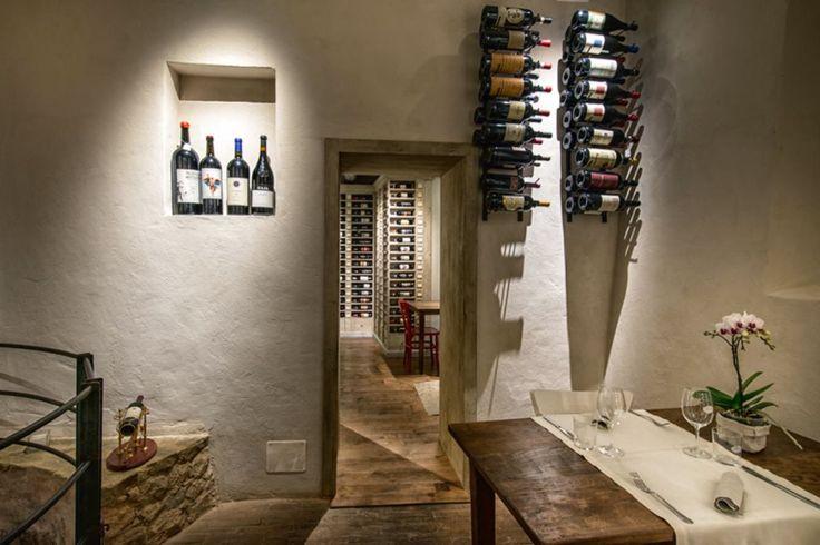ENOTECA FRANCI  Selezione di vini rossi e bianchi italiani, bollicine e champagne