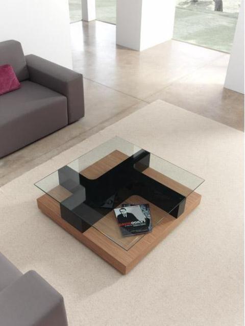 Mesa de centro en cristal con madera y negro