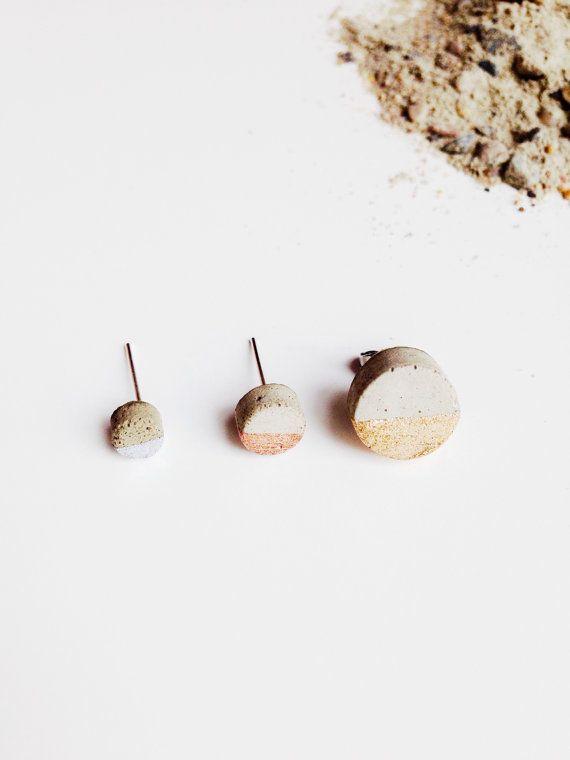 Béton boucles d'oreilles argent cuivre ou or cercle plongé Stud boucles d'oreilles, Minimalistist boucles d'oreilles, bijoux contemporains livraison gratuite