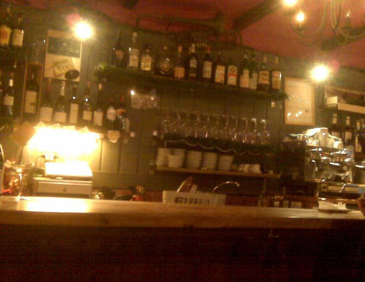 Osteria Ai Pugni - Ponte Ai Pugni  A safe place for escaping rainy days in Venice