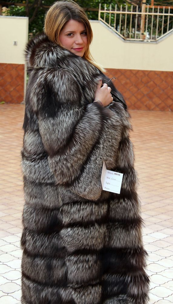 a88bb84e4 SILVER FOX FUR COAT SILBERFUCHS PELZMANTEL FOURRURE RENARD PELLICCIA VOLPE  mex | Clothing, Shoes & Accessories, Women's Clothing, Coats & Jackets |  eBay!