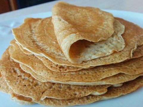 INGREDIENTI: -110g di farina d'avena istantanea -200g di latte d'avena (non zuccherato) -10g di olio di cocco sciolto -20 gocce circa di aroma gusto vanigl