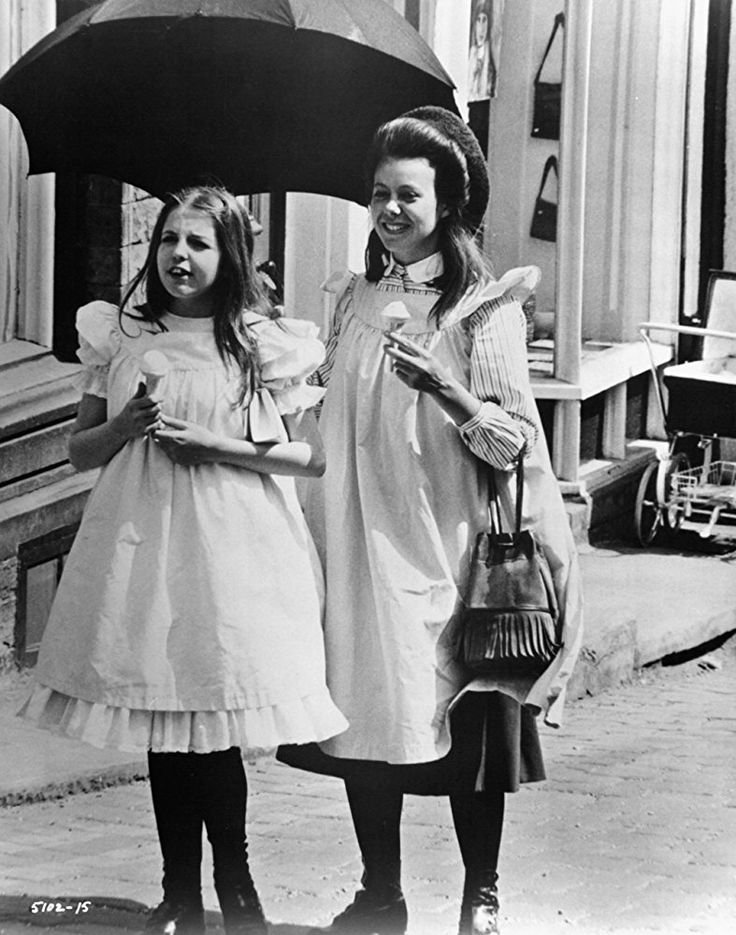 Jenny Agutter and Sally Thomsett in The Railway Children (1970)