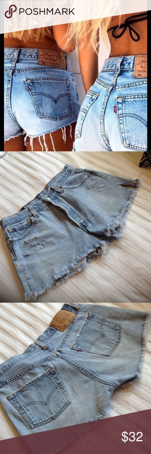 LEVI 501 VINTAGE HIGH WAISTED CUT OFFS 30 LEVI 501 BLUE JEAN CUTOFFS SOME DISTRESSED FRINGED, BUTTON DOWN VINTAGE 30 Levi's Shorts Jean Shorts