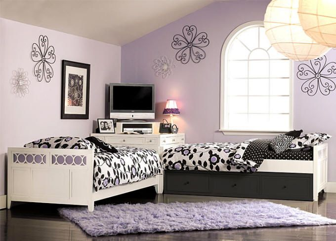 corner beds for girls... shelf @ corner with drawers and multi-layered shelves for alarm clock, books, reading lamps
