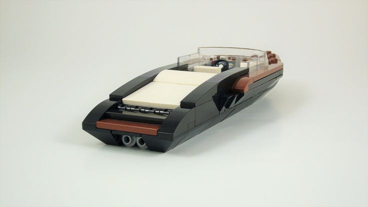 https://flic.kr/p/TQdLFJ | Yacht Midnight 03 | Open Motor Yacht. Modified version of Razgriz94's Garda Boat - Lego SpeedBoat Design Printing by www.steindrucker.com More pictures in the Album