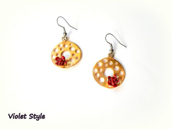 Circle handmade earrings  red  roses   made of by violettstyle, €17.52