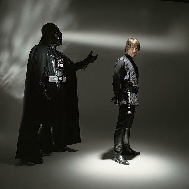 Sesión de fotos inéditas del Regreso del Jedi #darthvader #theforceawakens #stormtrooper #disney #jedi #sith #love #lego #starwarsfan #yoda #art #r2d2 #marvel #hansolo #bobafett #lukeskywalker #geek #forcefriday #cosplay #darkside #chewbacca #nerd #lightsaber #toys #theforce #instagood #kyloren #fashion #batman #c3po