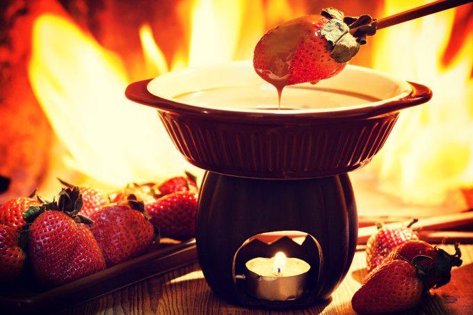 Fondue de chocolate: 8 receitas fáceis, rápidas e baratas