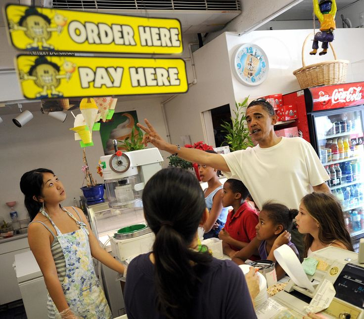 US President Elect Barack Obama (R) with daughers Sasha (2nd-R)) and Malia (L) orders shave ice for them and friends December 26, 2008 in Hawai'i Kai, Hawaii. AFP PHOTO / TIM SLOAN (Photo credit should read TIM SLOAN/AFP/Getty Images) via @AOL_Lifestyle Read more: http://www.aol.com/article/news/2017/01/18/obama-refuses-to-comment-on-trump-inauguration-boycott-reveals/21657798/?a_dgi=aolshare_pinterest#fullscreen