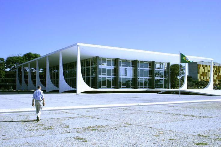 Federal Supreme Court, Brasilia, architect Oscar Niemeyer