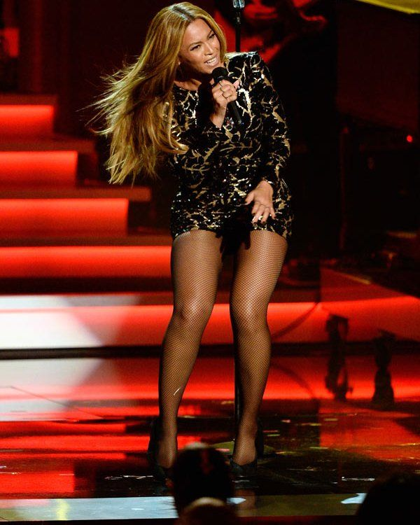 Stevie Wonder Tribute: Beyoncé Performs Soulful 'Higher Ground' — Watch A performance for the history books. Beyoncéput her own soulful and sexy spin on the Stevie Wonder's iconic hit, 'Higher Ground' during his Grammys tribute -- and everyone was blown away! Check o...