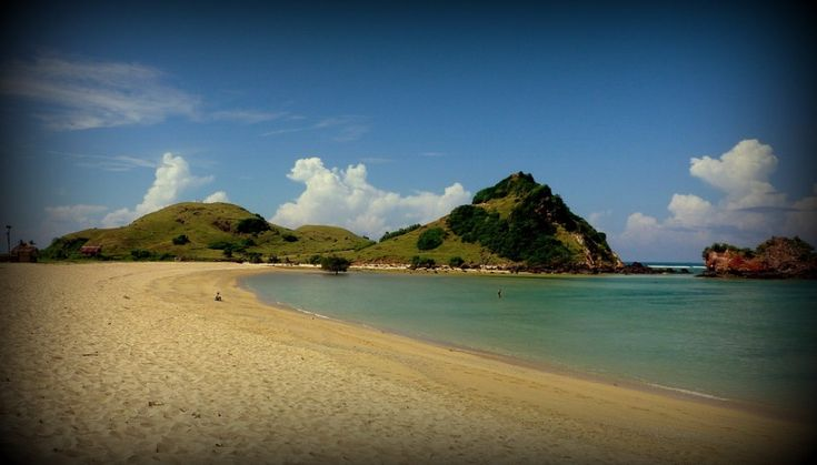 Gold Memory of Honeymoon Lombok Tour Packages - 1001malam.com