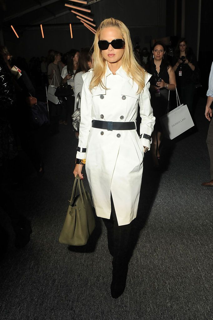 Rachel_Zoe_Around_Lincoln_Center_Day_4_Spring_ObLDYBJVpYox.jpg