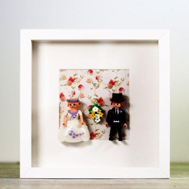 Cuadro muñecos de Playmobil. Ya tienes disponible el cuadro de novios de Playmobil en Una Boda Original. ¡Consíguelo! http://www.unabodaoriginal.es/es/cuadro-novios-playmobil.html